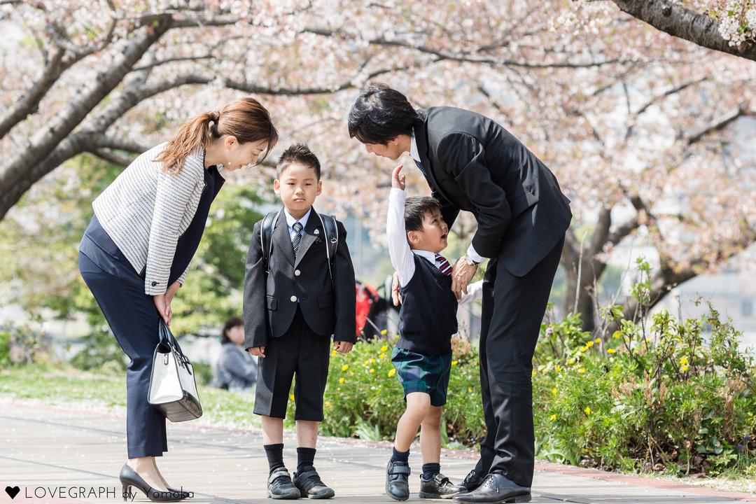卒業式に親は何を着ればいい?母親の服装マナー・スーツ紹介!